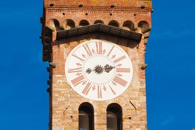Lucca hours tower