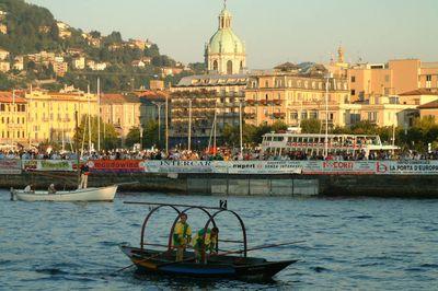 Piazza Cavour - lungo lago di Como